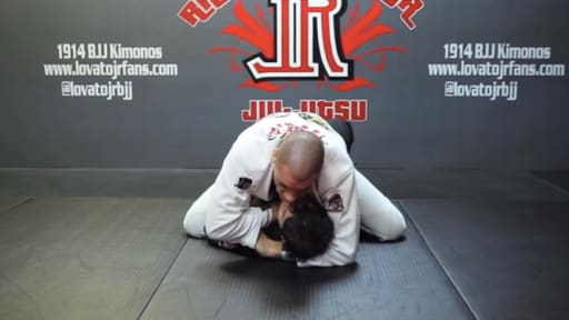 Sleeve Ezekiel Choke from mount.